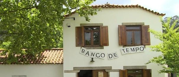 Banco de Tempo – Em Portugal, funciona um banco que lida com tempo, ao invés de dinheiro