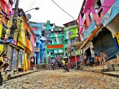 """A favela está na vanguarda da economia colaborativa. Ela já existia de forma mais """"humana"""" nas comunidades."""